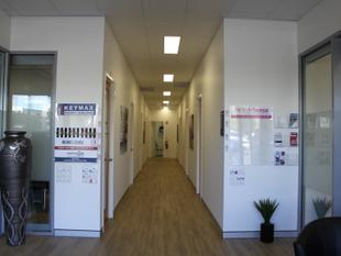 ALL INCLUSIVE SERVICED OFFICES 18m² NORTH LAKES - North Lakes