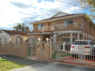 A MANSION HOME LIKE NO OTHER! - Merrylands