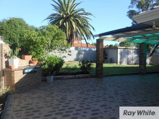 PRICE REDUCED / REFURBISHED HOME IN QUIET STREET - Forrestfield