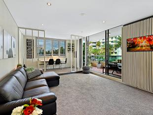 One of a kind apartment - A must to inspect! - Southport