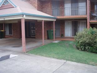 Spacious Top Floor Unit - Located in the CBD!! - Newtown