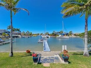 PRICE REDUCED!  Bridge Free Wide Water Views - Paradise Point