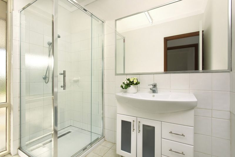 House leased willetton wa 26 apsley road for Bathroom d willetton