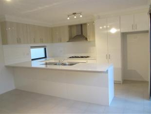 Unfurnished, Modern, Store Room, Double Garage, Priced to Go !! - Nollamara