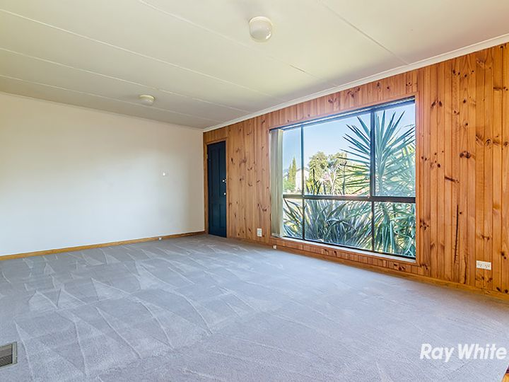 5 Roberts Road, Cranbourne, VIC