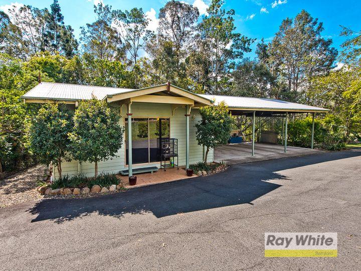 6 Benjamin Close, Samford Valley, QLD