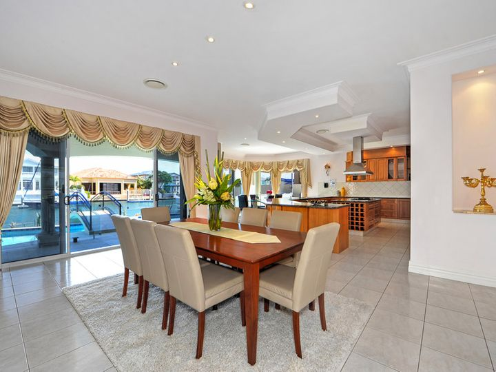 29-31 The Peninsula, Sovereign Islands, QLD