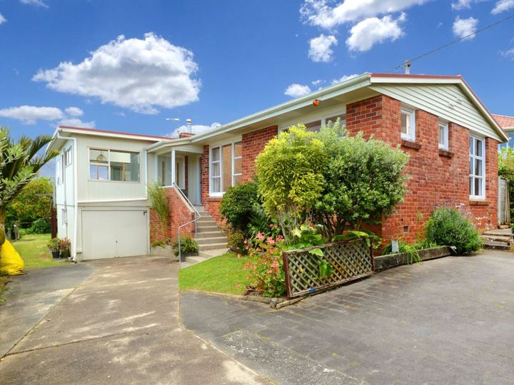 1 Coronation Road, Hillcrest, North Shore City