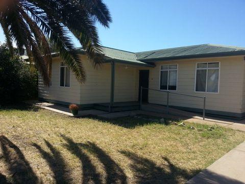 Port Augusta, 37 Fullerton Crescent