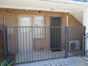 COSY 2 BEDROOM IN MOUNT LAWLEY!!! - Mount Lawley