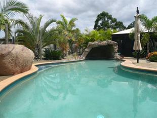 Impressive Home With Amazing In Ground Swimming Pool On Over 1/2 Acre - Beerwah