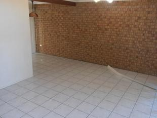 Neat and Tidy Unit Located Close to All Amenities - Daisy Hill