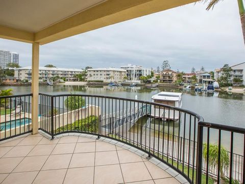 Biggera Waters, 2/48 Vaggelas Crescent