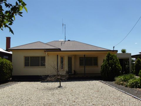 Parkes, 24 Armstrong Street