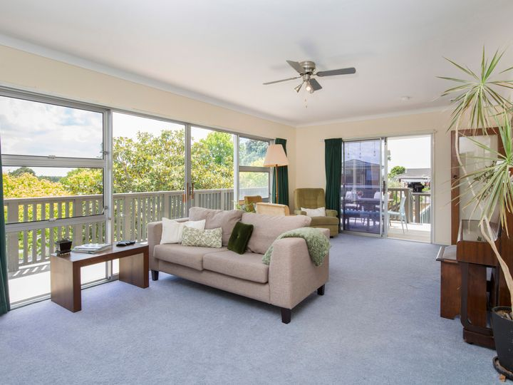 3 Leewood Place, Pakuranga Heights, Manukau City