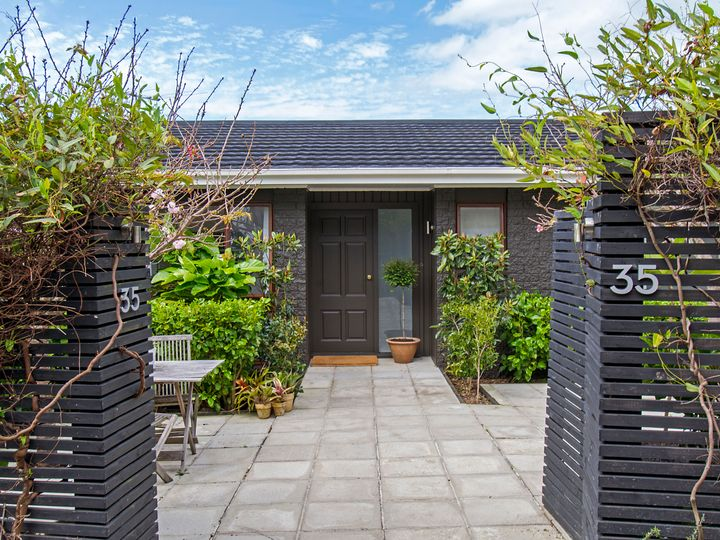 35 McMillan Place, Mellons Bay, Manukau City