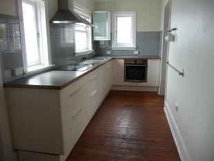 "2/3 Bedroom House in Fantastic Location ""STRICTLY NO PETS"" - Mortlake"