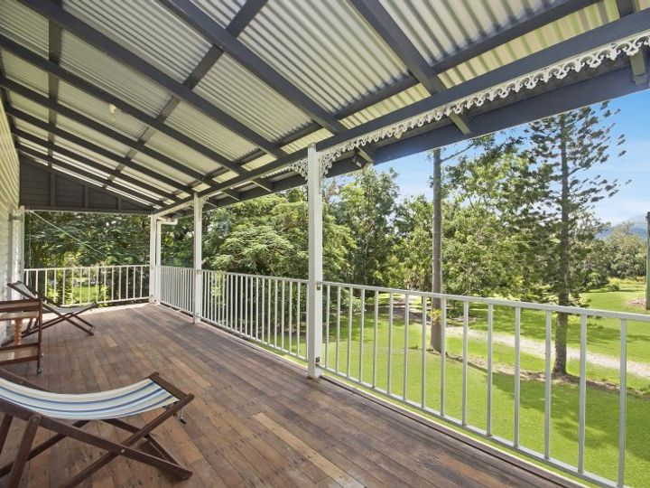 49 Sheahans Road, Long Pocket, QLD