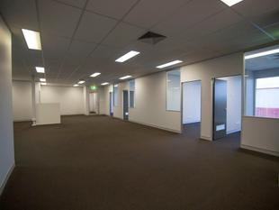 MODERN FIRST FLOOR OFFICE IN BRENDALE - Brendale