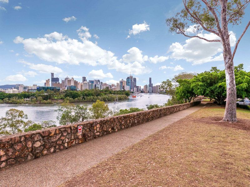 10 236 river terrace kangaroo point qld residential