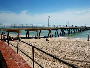 GOING FOR GLENELG GOLD! - Glenelg