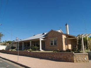 Outstanding Federation Bungalow - Waikerie