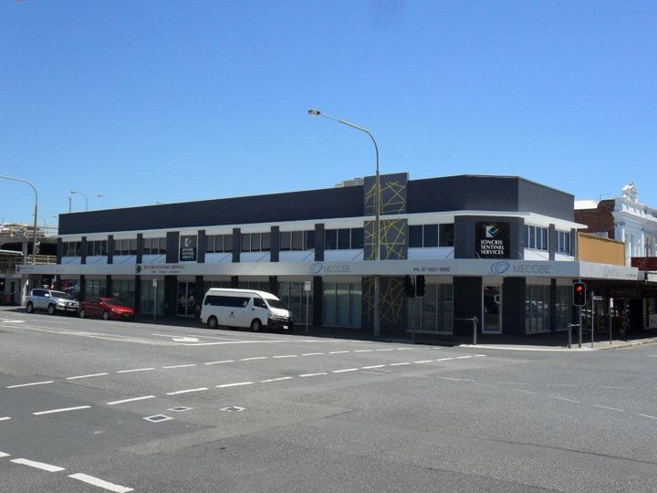 195 Bolsover Street (Top Floor), Rockhampton City, QLD