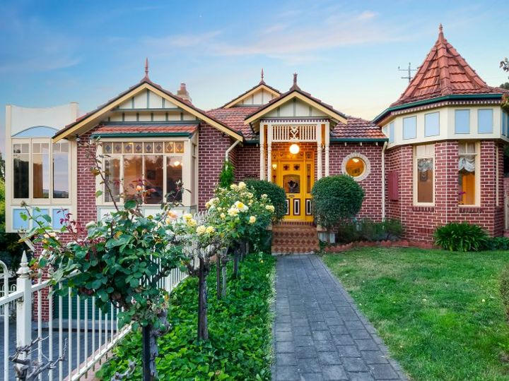 23 Melville Avenue, Newtown, VIC