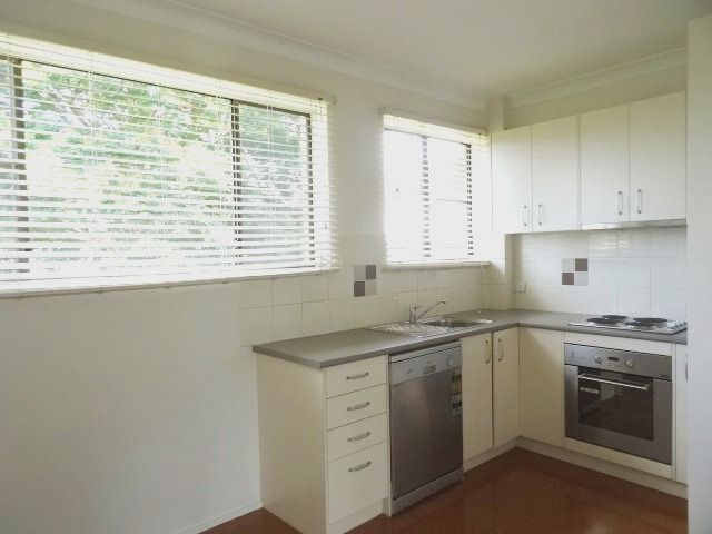 pictures of kitchens 6 89 melton road nundah qld rental unit for rent 31647