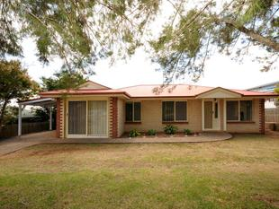 Spacious Family Home! - Darling Heights