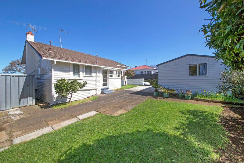House 662 Mt Albert Road, Royal Oak, Auckland City