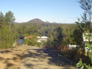 BREATHTAKING VIEWS NESTLED AMONG THE TREES - Beerwah