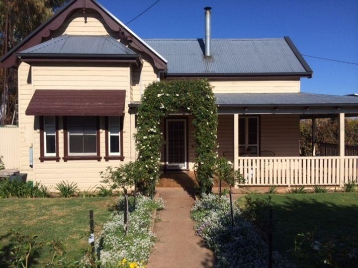 154 Caswell Street, Peak Hill, NSW