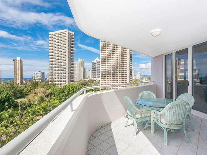 37/12 Commodore Drive, Surfers Paradise, QLD
