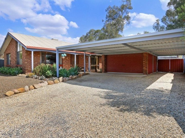 105 Coish Avenue, Benalla, VIC