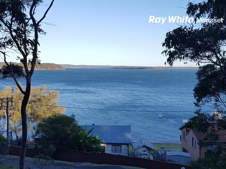 67 Beach Road, Wangi Wangi, NSW