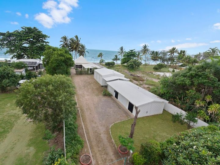 28 Reef Street, Saunders Beach, QLD