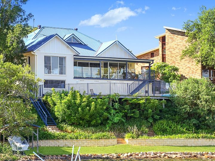 3 Waterview Crescent, Tascott, NSW