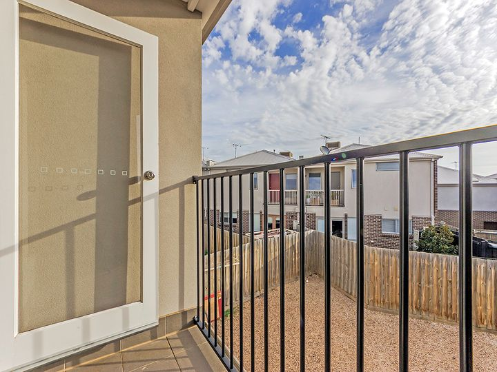12/24 Findon Court, Point Cook, VIC