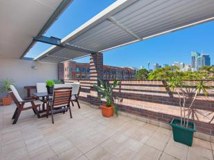 Enormous Pent House Apartment with Absolute Breath-taking City Views! - Ultimo