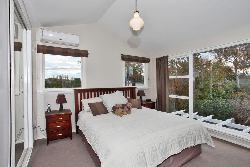 House 82 Crofton Road Harewood Christchurch City