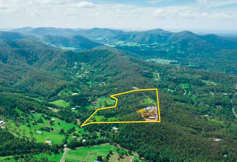 Acreage semi rural sold guanaba qld 72 piggotts road - Beautiful panoramic view house to take full advantage of the scenery ...