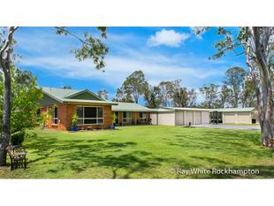 Location of a Lifetime on 20 Acres! - Cawarral