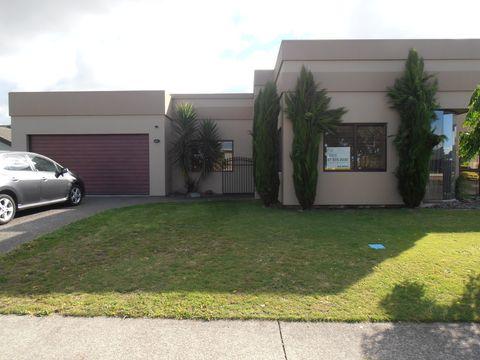 Papamoa, 138 Palm Beach Boulevard