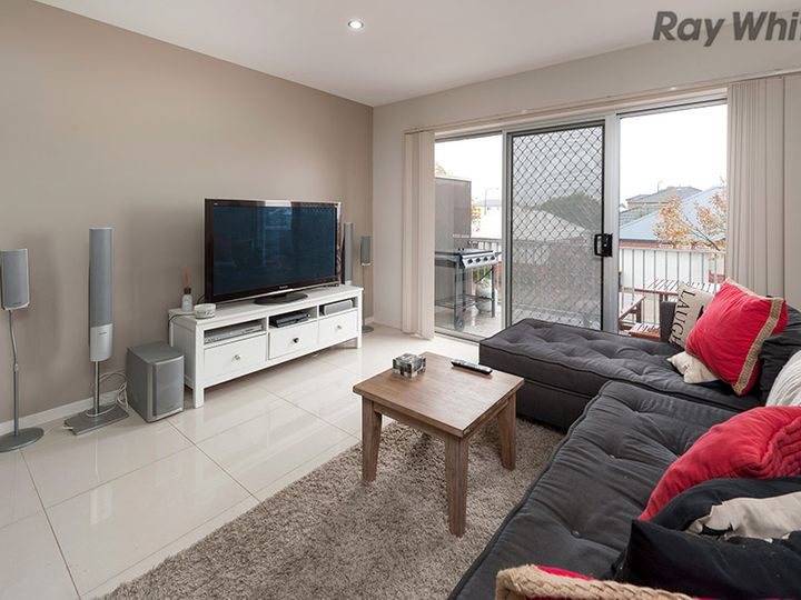 4/5-9 Strathvea Lane, Caroline Springs, VIC