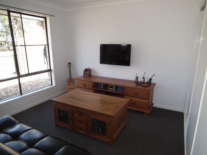 18 Wills Court, Oakhurst, QLD