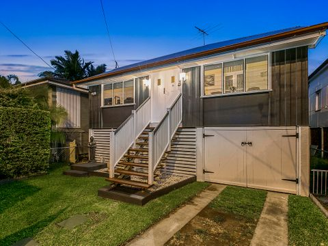 Greenslopes, 16 Marquis Street