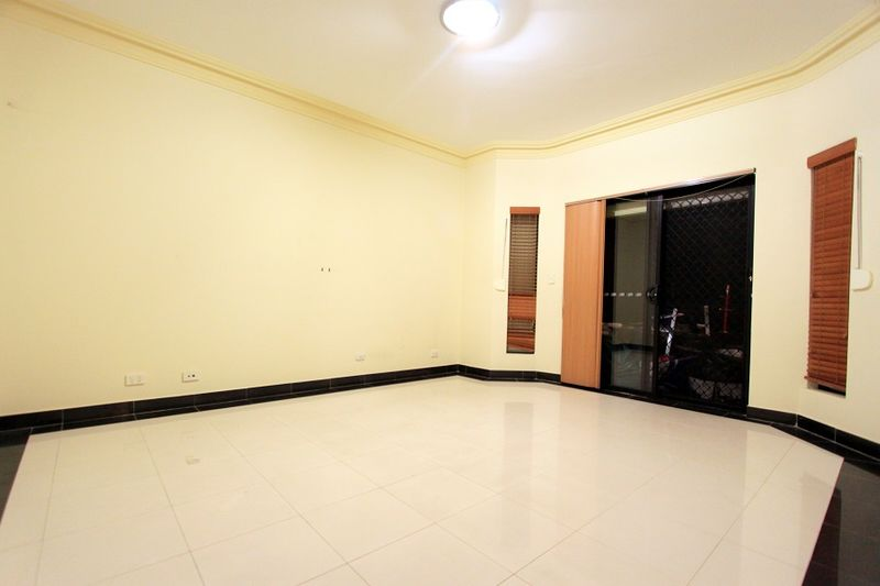 Room For Rent In Campsie