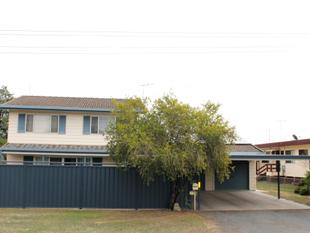THIS 6 BEDROOM HOME HAS ROOM FOR 2 FAMILIES, MAJOR PRICE DROP! - Dalby