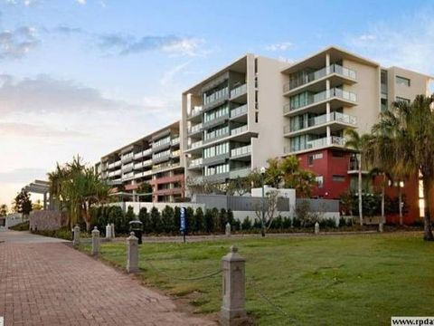 Townsville City, 1705/6 Mariners Drive